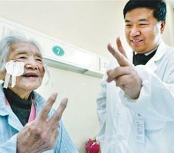 2600例 免费复明手术 惠及河南白内障患者